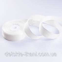 Репсова стрічка шириною 25 мм молочного кольору, бобіна 23 м