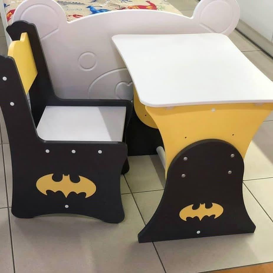 """Комплект для ребенка стол и 1 стул """"Бэтмен"""""""
