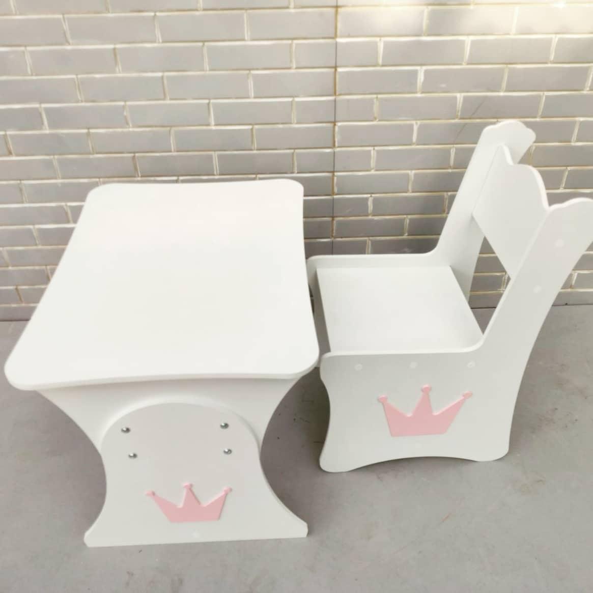 """Дитяча парта """"Корона"""" і 1 стілець з наклейкою"""