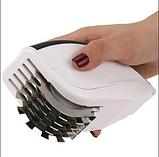 Нож для нарезки 3 в 1 Rolling Mincer и Tenderizer с чесночным прессом овощерезка, фото 4