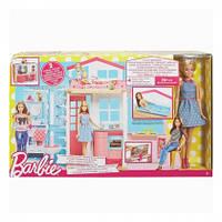Портативный домик Barbie с куклой  DVV48