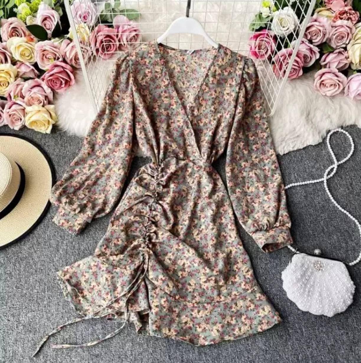 Шифонове плаття з запахом в квітковий принт і затяжкою на спідниці (р. 42-44) 68032367