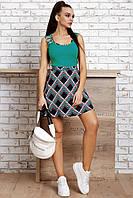 Летнее женское платье с зеленым топом и синим геометрическим принтом на юбке, облегающее