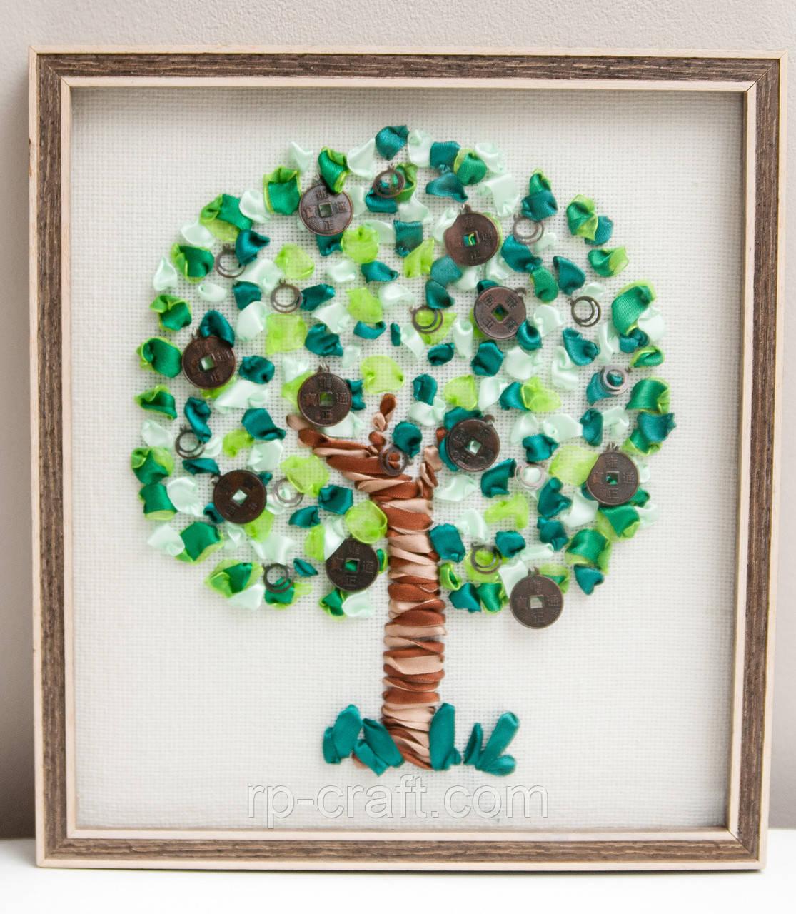 Вышитая картина. Денежное дерево