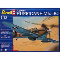 Сборная модель Revell Истребитель-бомбардировщик Hawker Hurricane Mk II C 1:72 (4144)
