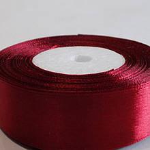 Лента атласная. Цвет красный. Ширина 2.5 см