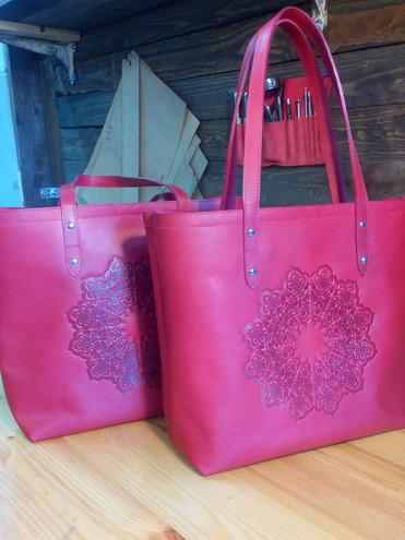 Кожаная сумка - шоппер Размер: 35*35 см. Цвет на выбор