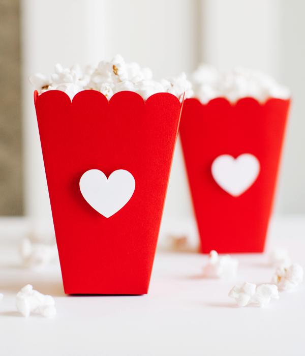 Мини-коробочки для попкорна для влюбленных