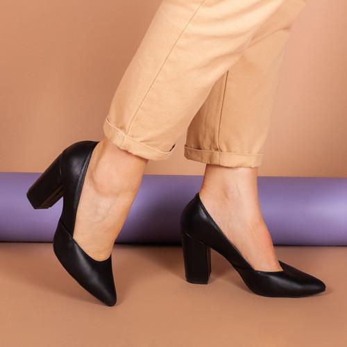 Туфлі жіночі на сталий обтяжном підборах 9 див. Натуральна чорна замша