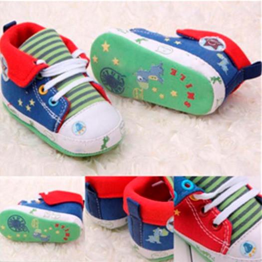 Пинетки и обувь для маленьких мальчиков
