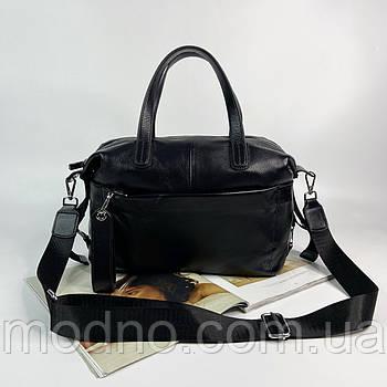 Женская кожаная сумка на и через плечо с текстильным ремешком черная