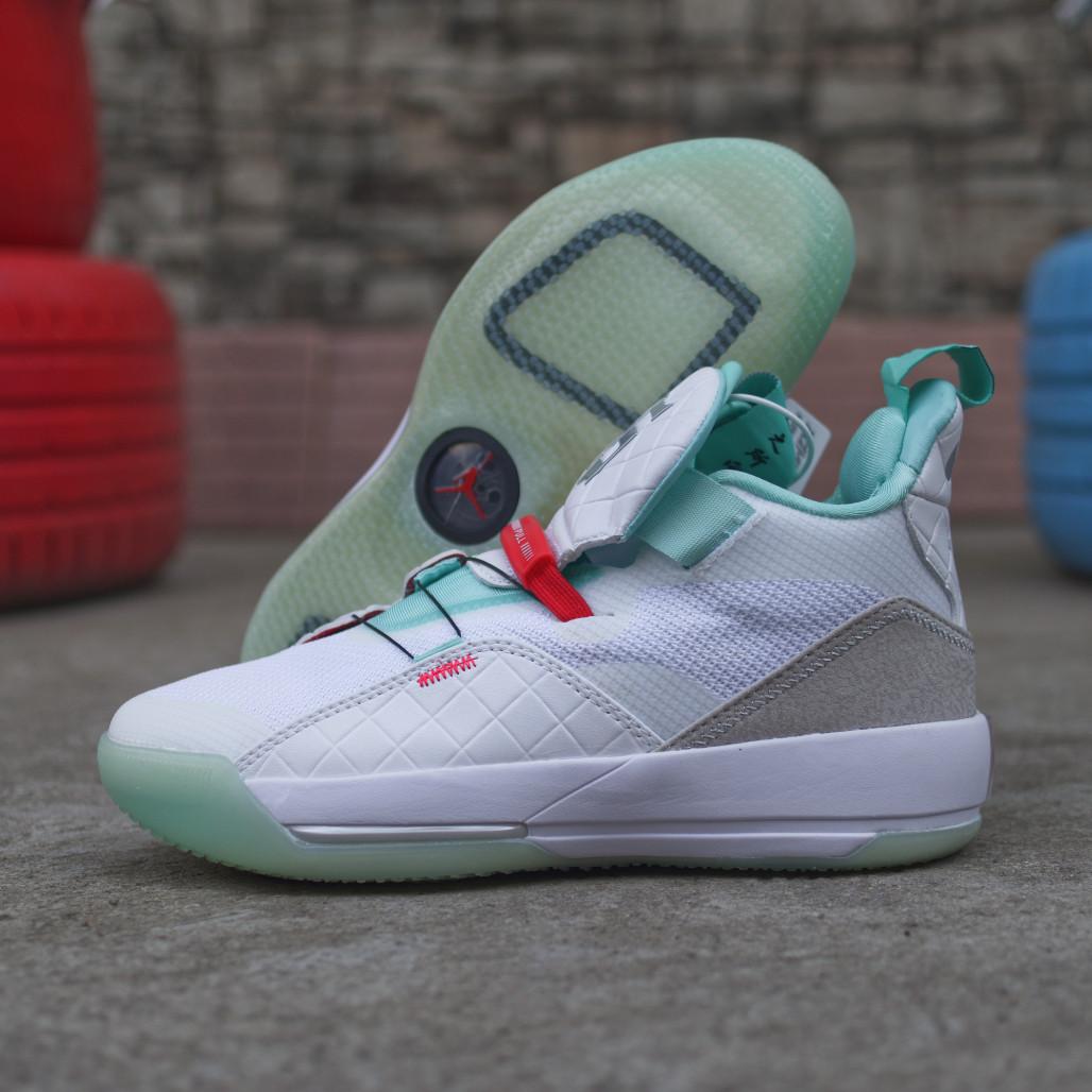 Подростковые баскетбольные кроссовки Air Jordan 33