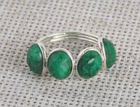 Серебряное кольцо с зелеными корундами 17,5 размера