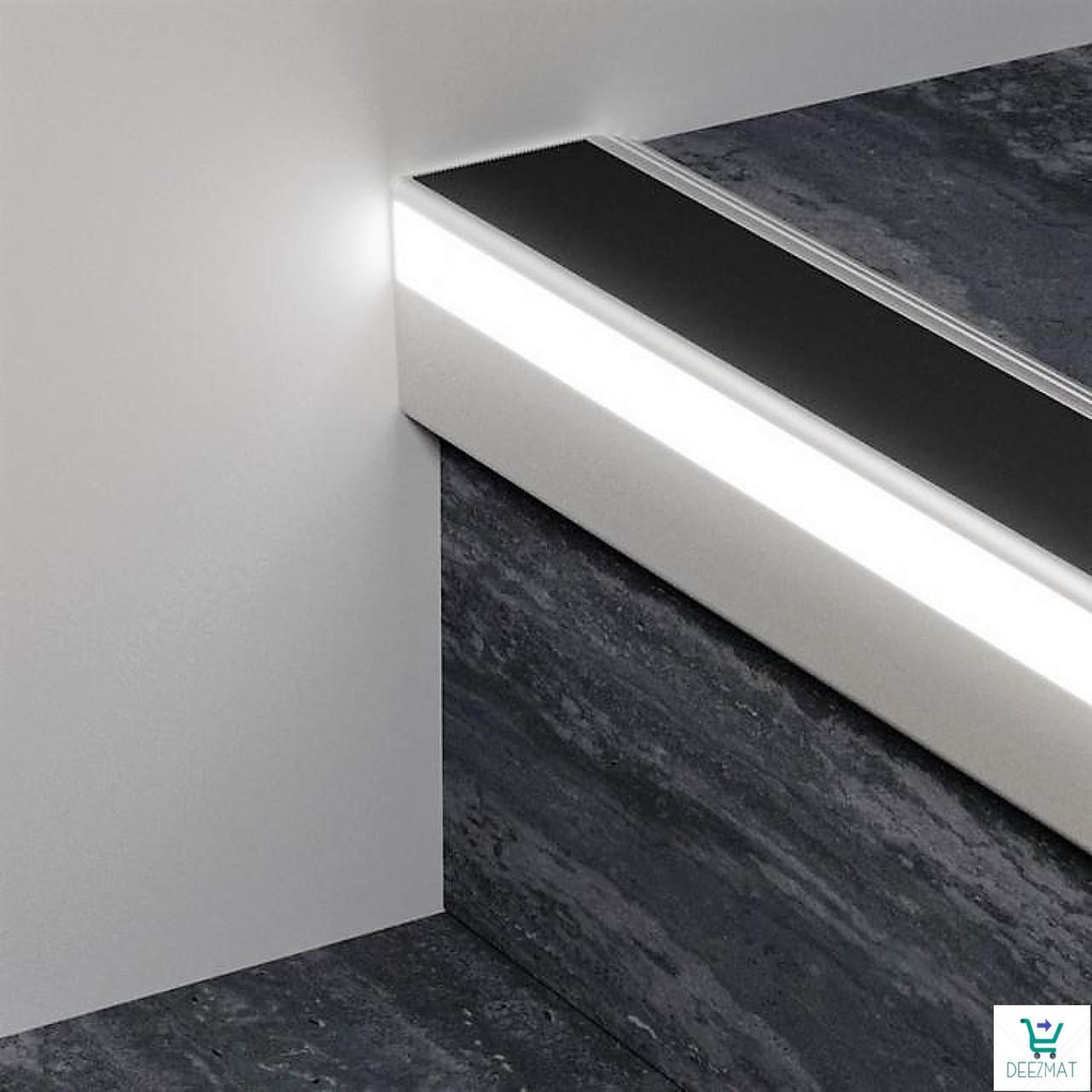 Накладной алюминиевый профиль 126/L/F для защиты ступеней с LED подсветкой 52х62х2700 мм.