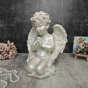 Гипсовая фигура Ангелочек молится на коленях 25 см