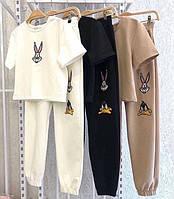 Женский спортивный костюм футболка и штаны на манжете
