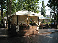 Пошив штор и тканевых потолков для летней площадки