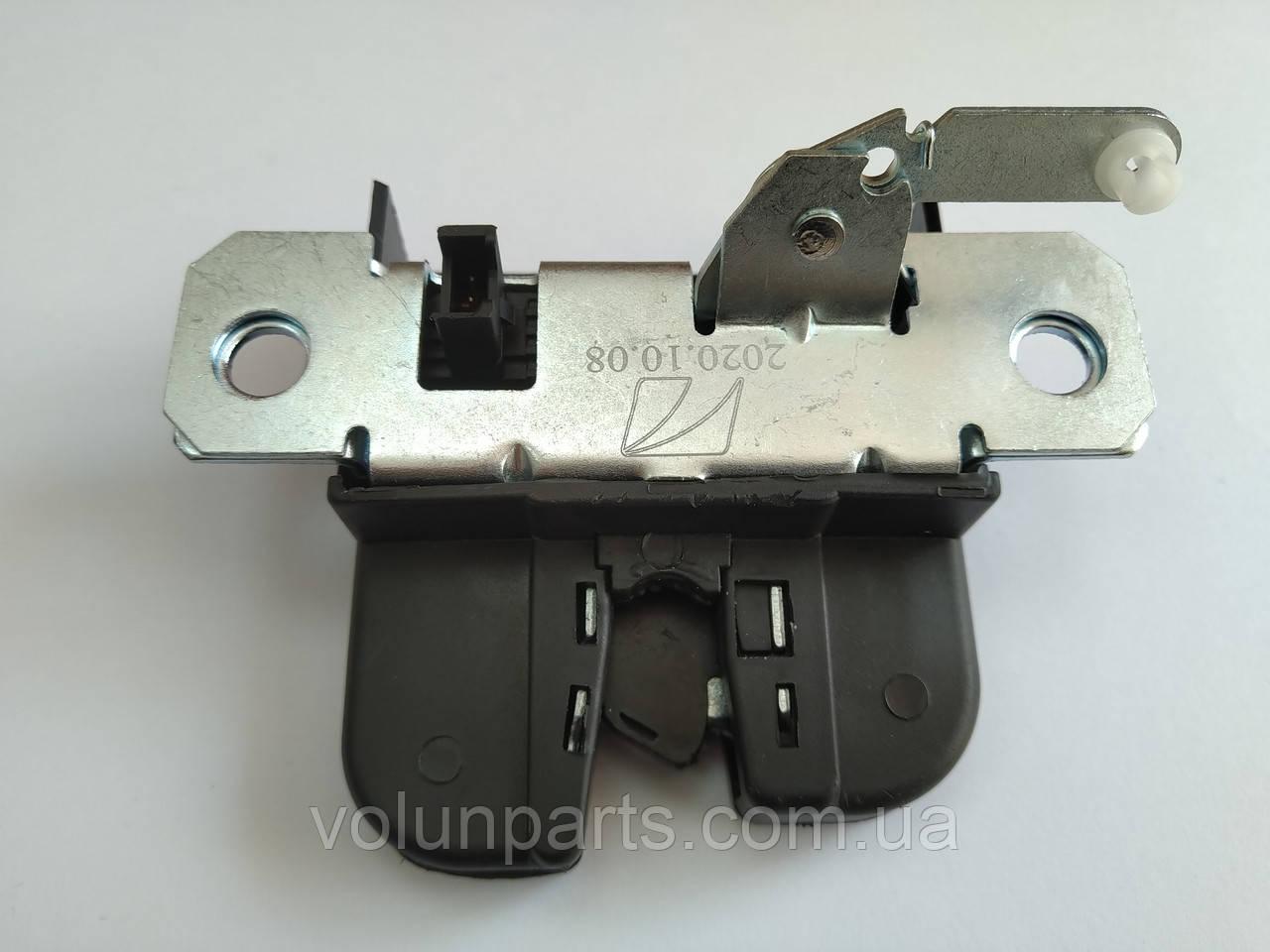 Замок кришки багажника VW PASSAT B5+ / POLO / BORA / GOLF 4 / CADDY 3  (Polcar)