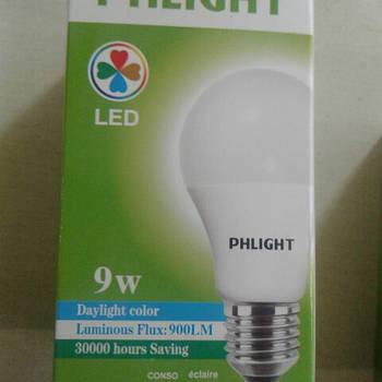 Світлодіодна лампочка LED 6500 K 9 W PHLIGHT