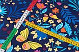 """Клапоть тканини """"Різнокольорові метелики і квіти"""" на темно-синьому тлі, №3374а, розмір 37*80 см, фото 4"""