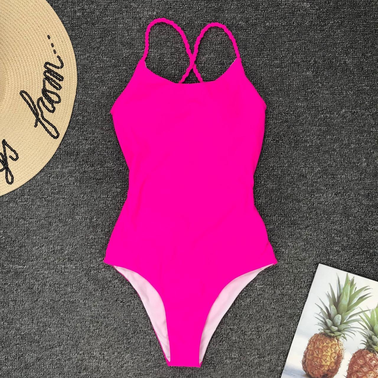 Відрядний рожевий купальник з відкритою спинкою