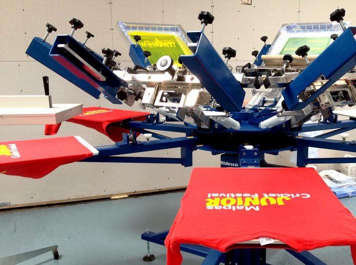 Печать по ткани от 1 шт. на заказ краской - шелкотрафаретная печать