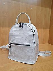Жіночий рюкзак з екошкіри , колір бежевий , принт кроко , 28-23-11 см