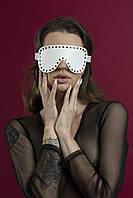 Маска на очі з заклепками Feral Feelings - з зав'язаними очима Mask, натуральна шкіра, біла