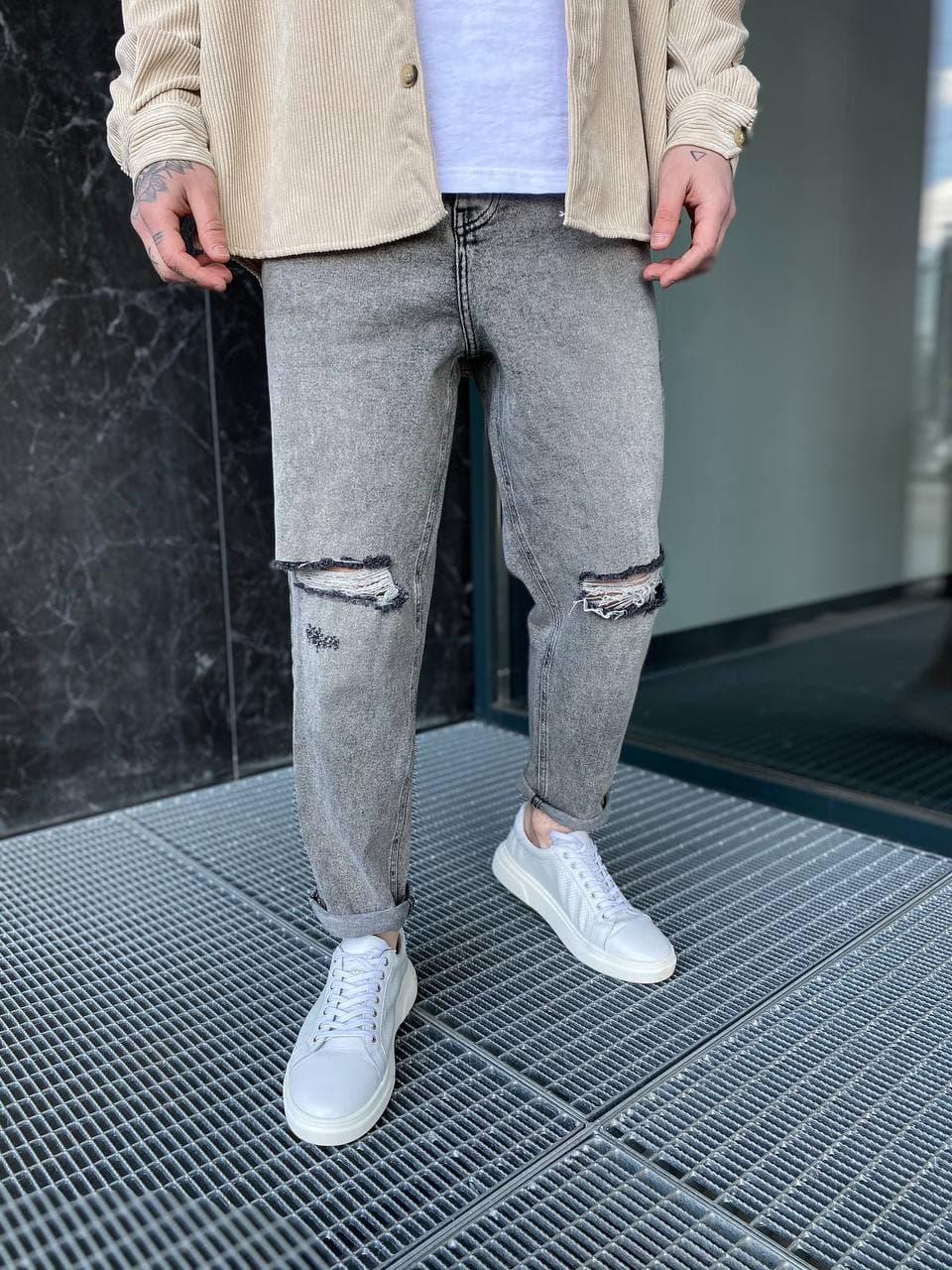 Мужские джинсы прямые МОМ серого цвета рваные