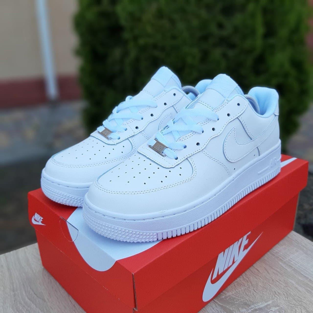 Чоловічі кросівки Nike Air Force (білі) О10097 якісні стильні кроси