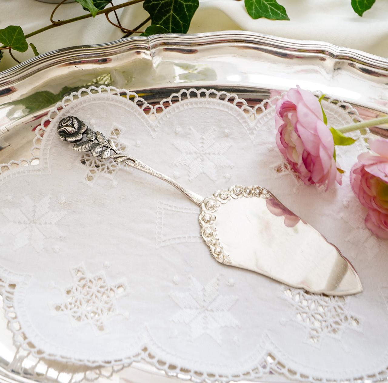 Посріблена німецька лопатка для торта, з трояндою на ручці сріблення, Antiko 100, Німеччина, вінтаж