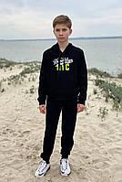 Спортивный костюм детский для мальчика с капюшоном и аппликацией черный