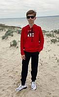Спортивный костюм детский для мальчика с капюшоном и аппликацией красный