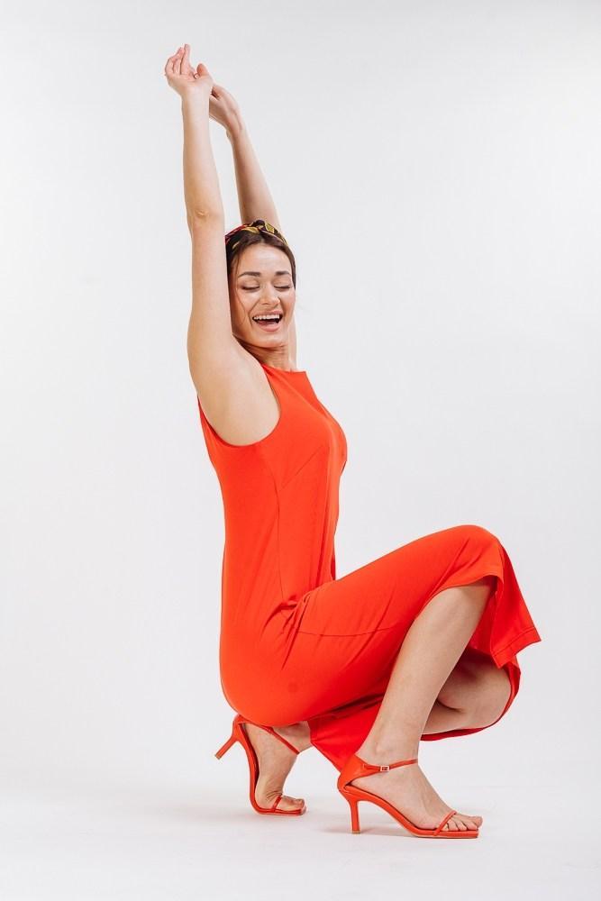 Жіноче літнє червоне плаття міді