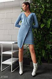 Трикотажное платье с эффектом запаха