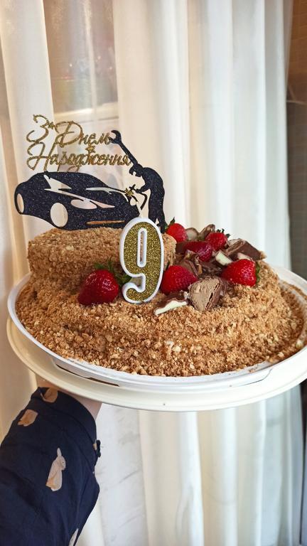Тортик на 9 лет для автомеханика ;)