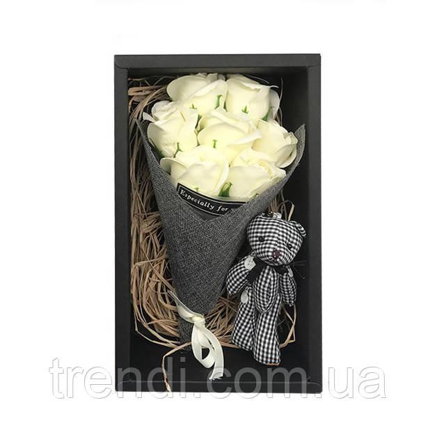 Подарунковий набір: троянди з мила ручної роботи з іграшкою