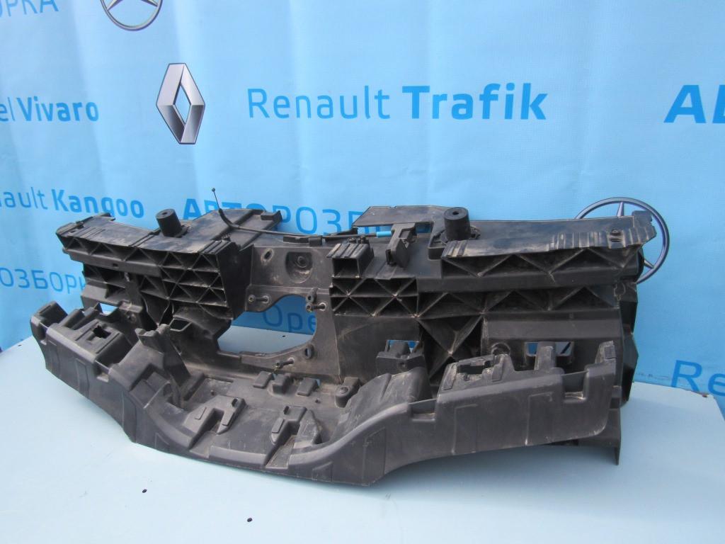 Решітка радіатора внутрішня 620365283r для Рено Кенго (електро) Z. E. Renault Kangoo 2011-2021 р. в.