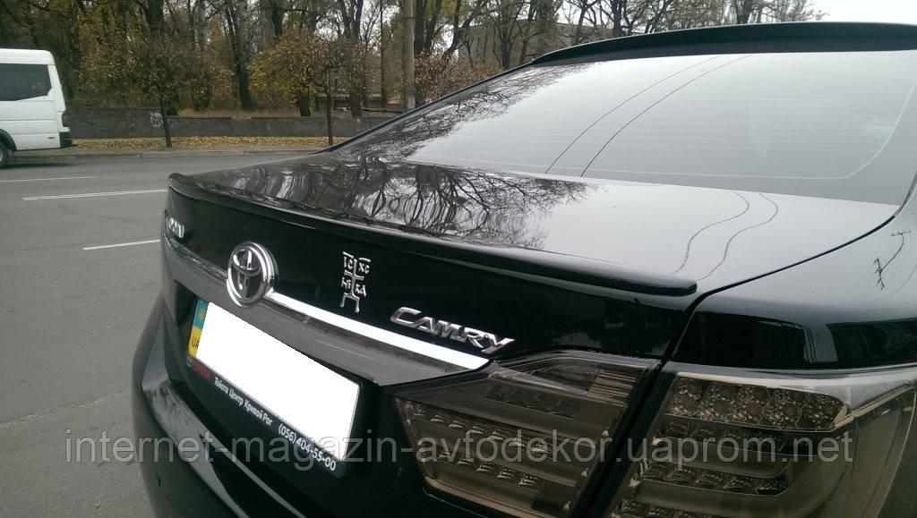 Спойлер крышки багажника Toyota Camry V50 2011-