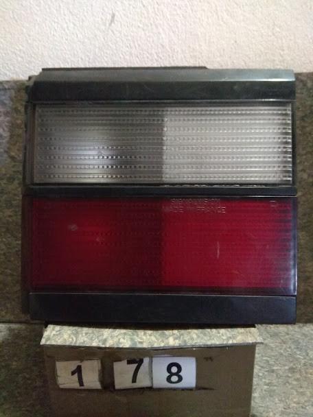 №178 Б/у ліхтар задній правий 333945108 для  VW Passat B3 Combi (Кришка) 1988-1991