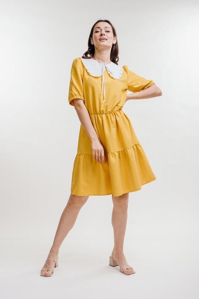 Женское желтое платье свободного кроя