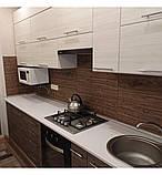 Самоклеящаяся декоративная 3D панель под дерево темный дуб 700*700*5мм 3д самоклейка для стен кухни коридора, фото 3