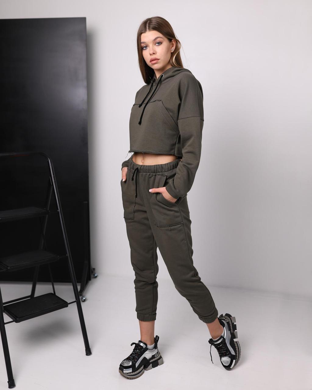 Женский костюм хаки с капюшоном, укороченная худи, штаны на манжете, размеры - XS, S, M, весна / осень M