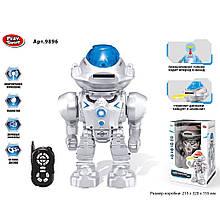 """UKR Робот PLAY SMART 9896 """"Робокоп"""" на р. к. інтер-н.,стріляє дисками.кор.32*15,5*21,5 /18/"""