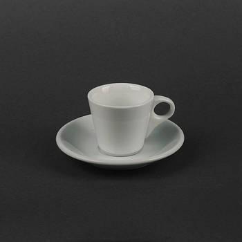 Чайная чашка 180 мл с блюдцем белая.