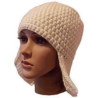 Женская вязаная зимняя шапка-ушанка молочно-белого цвета