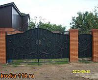 Кованые ворота из профнастила