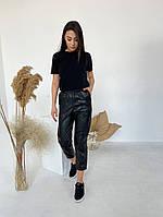 Жіночі стильні укорочені брюки з еко-шкіри, фото 1