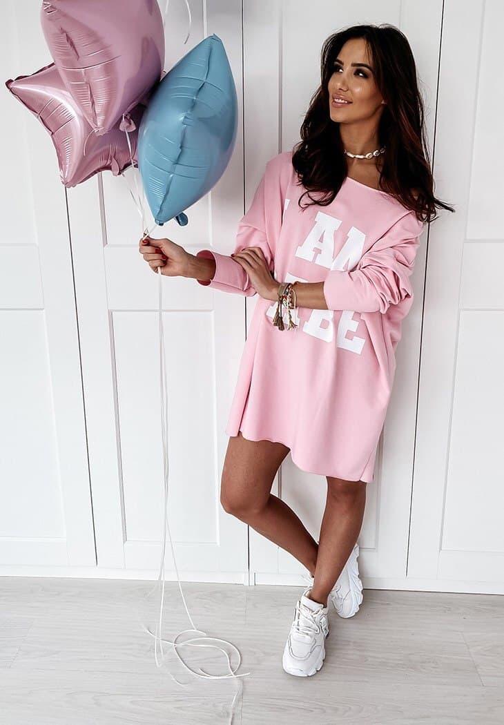 Стильная розовая женская туника-платье с принтом