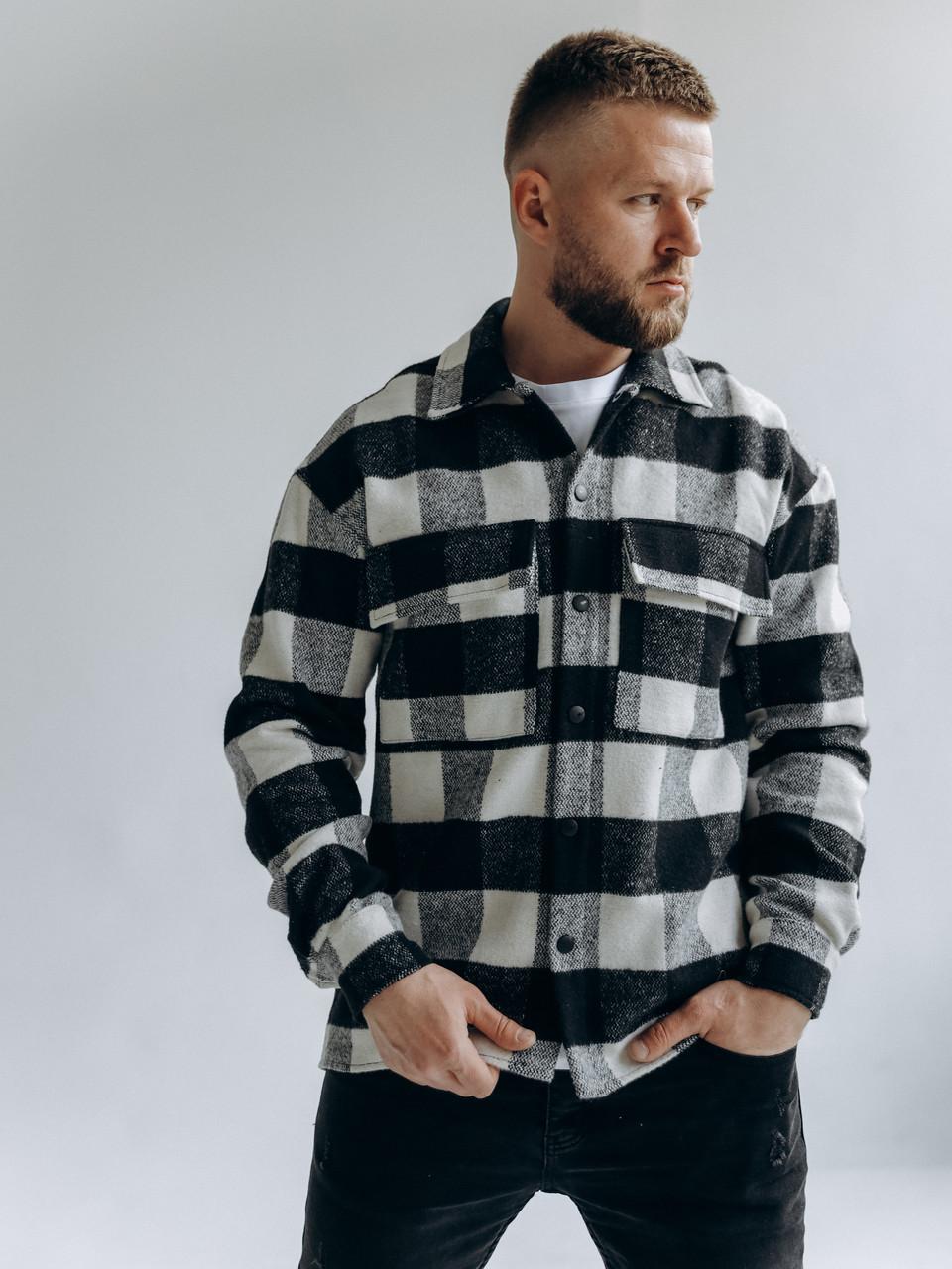 Картата чоловіча тепла байкова куртка-сорочка на гудзиках з кишенями чорно-сіра